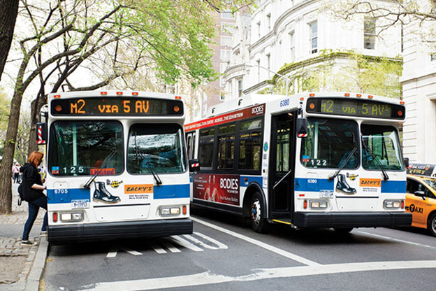 """Public transportation is 10 times safer, analysis shows <span class='des-hide-singal-page'>Washington — A """"modest"""" increase in public transportation use could help reduce traffic-related fatalities significantly, according to an analysis recently issued by the American Public Transportation Association and the Vision Zero Network.</span>"""